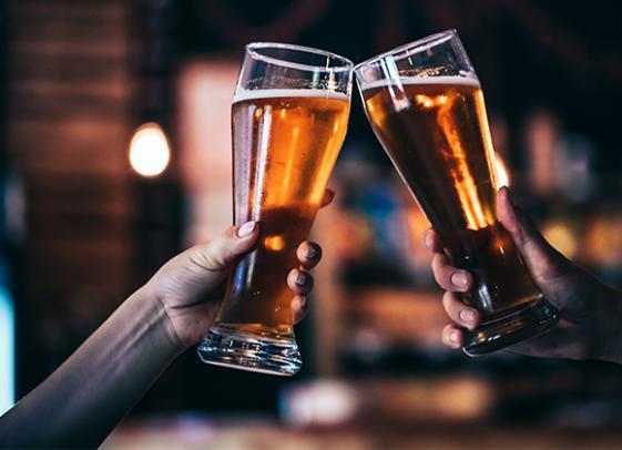 Vente de bières à la Cave de la Demi-Lune