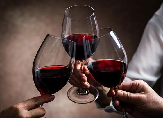 Vente de vins à la Cave de la Demi-Lune